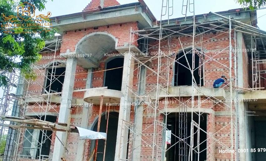 Thi công xây tạo chỉ mặt tiền Biệt Thự tân cổ điển